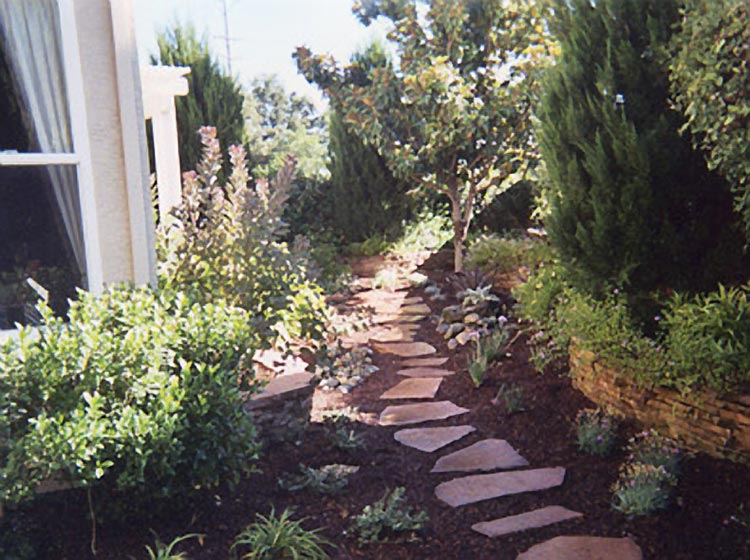 Find a sacramento landscape company smoot landscaping for Landscaping rocks sacramento